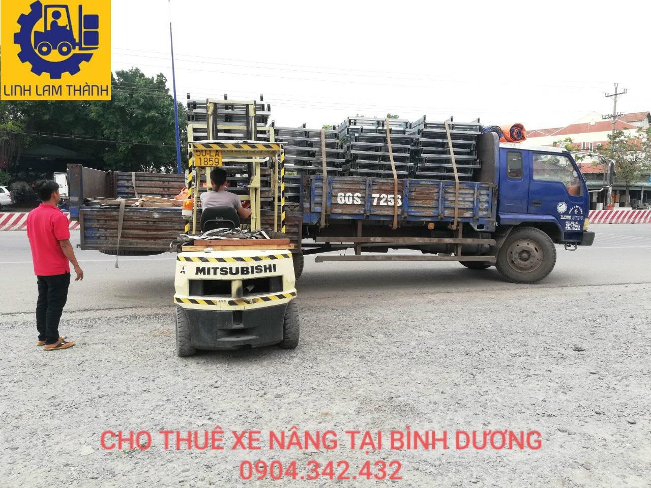 Xuống Công Dây Điện Bột Keo Tại Việt Hương.
